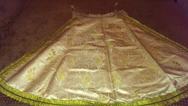 Manto original donado en 1892 por la infanta Isabel
